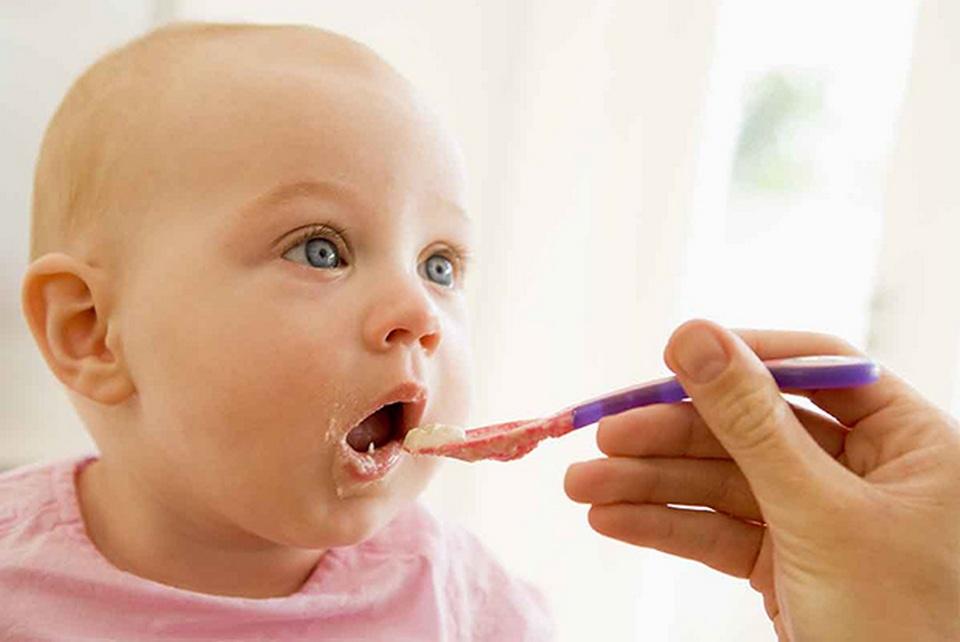 L'introduction des aliments allergènes chez le nourrisson en 4 questions